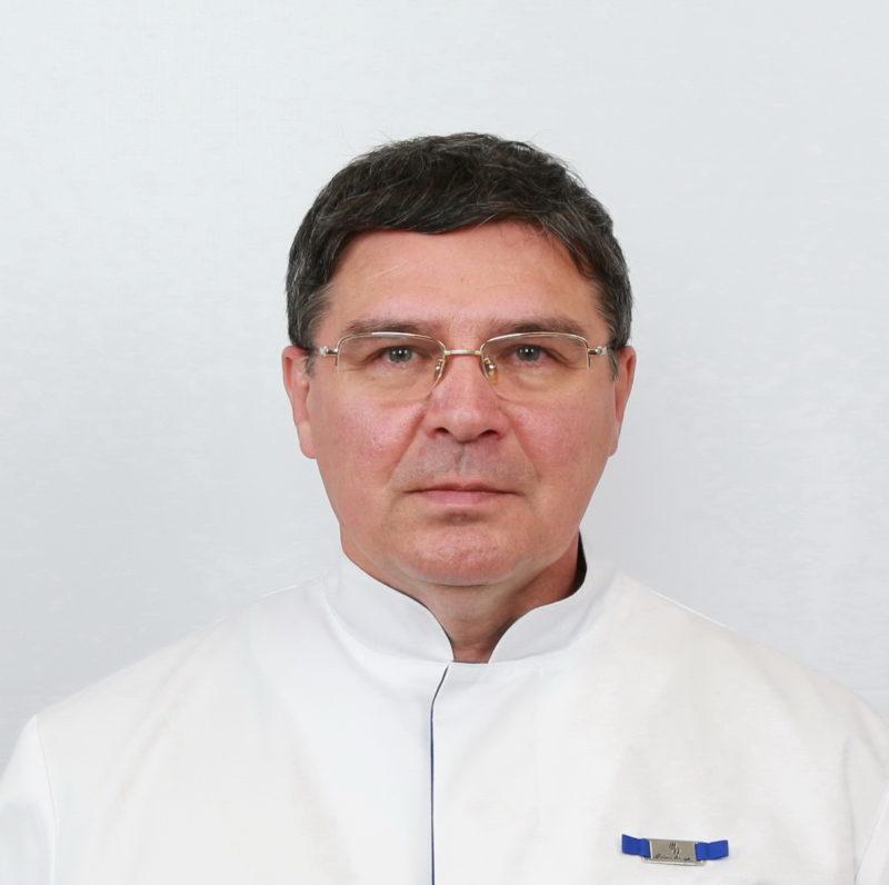 КМН, заведующий кафедрой Китайской медицины ИВМ РУДН Панов Г. А.